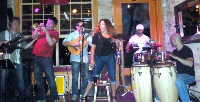 With Zack Lozier, Tom Peterson, Esti Price, Frank Garcia, Shai Hayo and Havana Hi-Fi at Aster Cafe, Minneapolis, MN