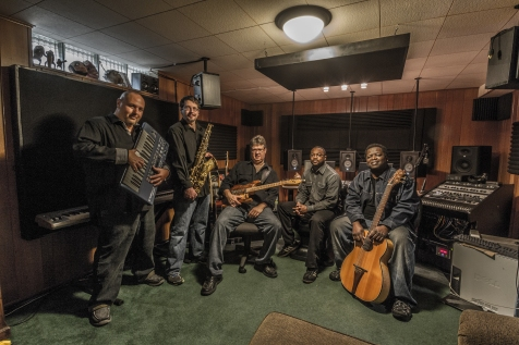 Mike Smith-keys, David Martin-guitar, John Bertsch-sax, Charles Hayes-bass, Erick Ballard-drums